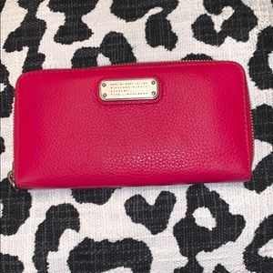 MARC By MARC JACOBS ZIPPER WALLET🌟🌟🌟